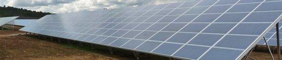 Commentaires croisés autour d'un panneau solaire