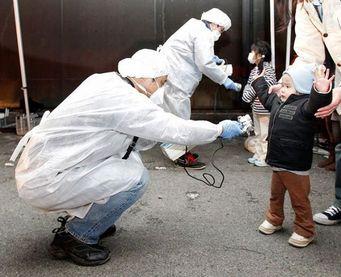 Mesure de radioactivité sur les enfants de Fukushima